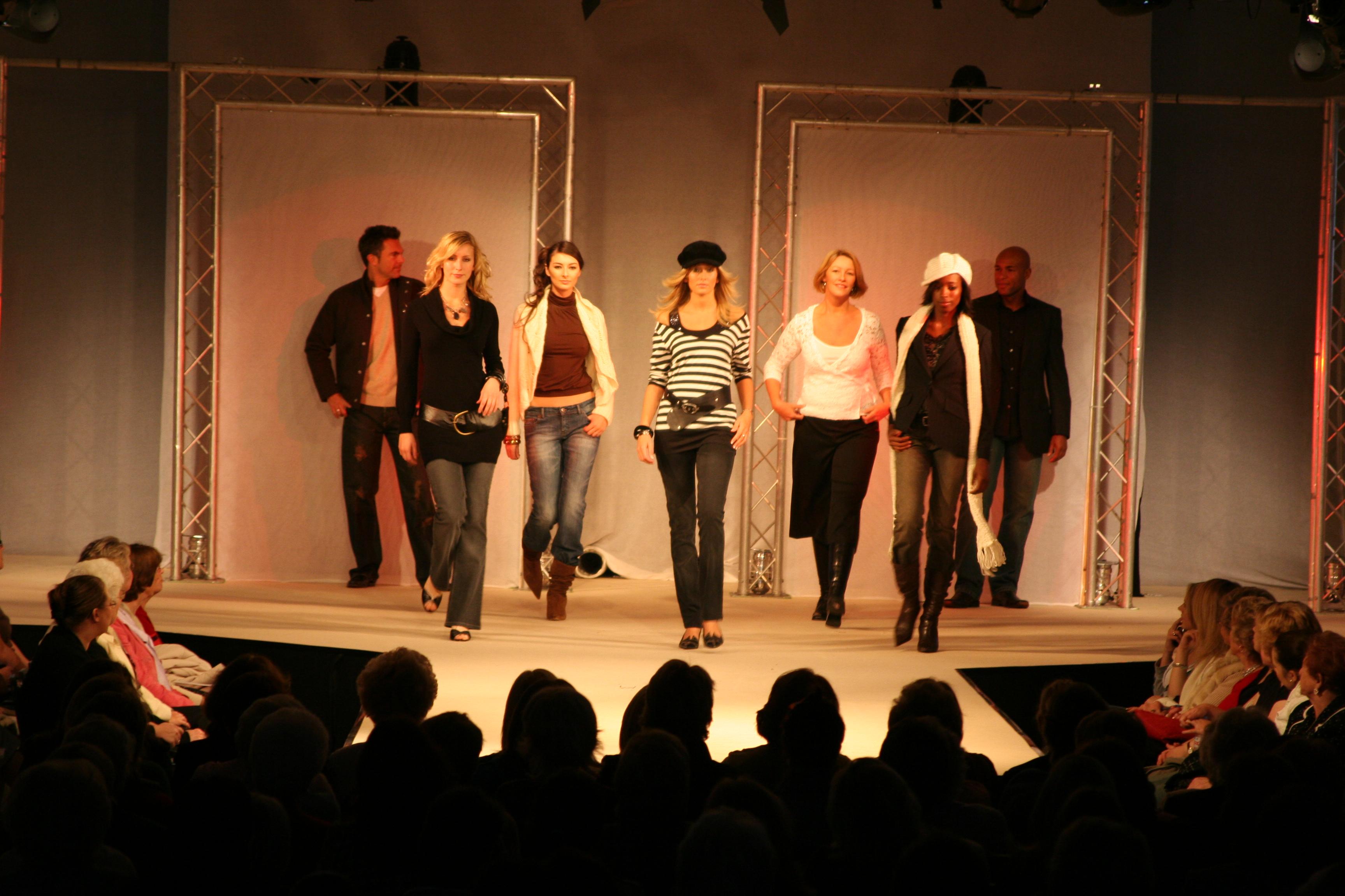 Cribbs Fashion Week 2005 260